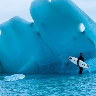 北極  ー地球の果てー  での究極的サーフィン映像!!