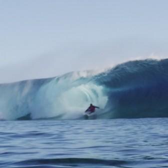 あまりに美しいKelly Slaterのbackside映像@ Teahupo'o by Morgan Maassen