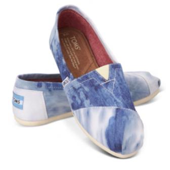 靴を買うたびに、靴を必要とする子ども達をサポートするというブランド
