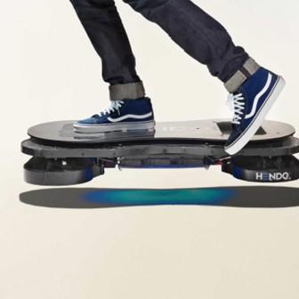 バック・トゥ・ザ・フューチャーの空飛ぶスケートボード
