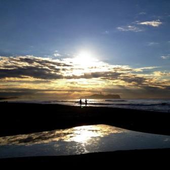 【鎌倉の絶景】夕方が美しい江ノ島の薄明光線