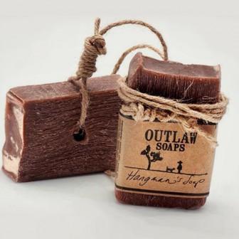 華やかな香りはいらない!男らしさ香る石鹸『Outlaw Soaps』