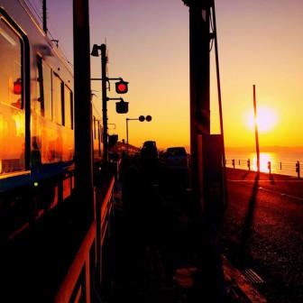 鎌倉の朝焼けを江ノ電から眺めよう