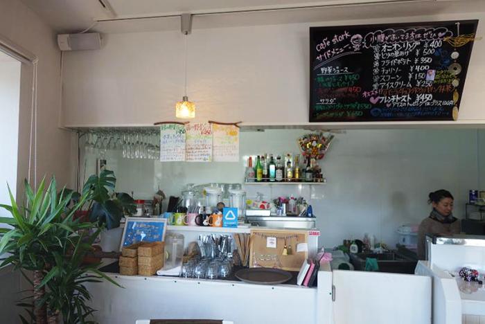茅ケ崎の134号線にある小さなカフェ「café stork」